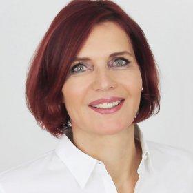 Dr. Marion Krakor